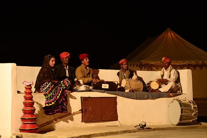 Folk entertainment in the desert