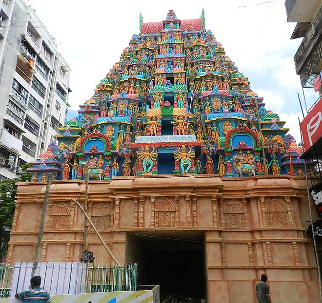 Kolkata 20 great durga puja pandals to visit this year outlook the pandal inspired by the meenakshi temple at ekdalia evergreen thecheapjerseys Images